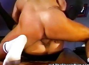 Vintage,Blowjob;Brunette;Caucasian;Couple;Cum Shot;Licking Vagina;Oral Sex;Shaved;Stockings;Vaginal Sex;Vintage Sperm cocktail in...