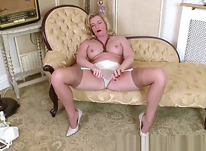 Masturbation,Blond,Vintage,Classic,Retro,Lingerie,Stockings,Toys,British,High Heels,MILF,Blonde,Blonde,holly kiss,juicy,Kissing,Lingerie,MILF,Retro,Stripping,white lingerie Blonde Milf Holly...