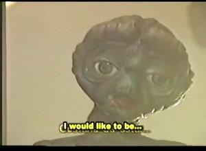 25 E.T. The Porno -...