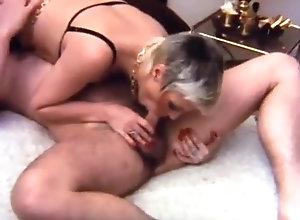 Vintage,Classic,Retro,Hairy,Cunnilingus,BDSM,Bondage,Mature,Mistress,hidden camera Hidden Gem