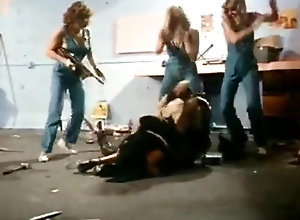 Brunette,Blond,Vintage,Classic,Retro,Group Sex,Mature Garage Girls