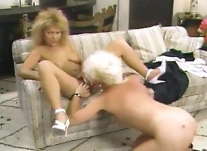Vintage,Classic,Retro,Threesome,Hairy,Group Sex,Cunnilingus,Cumshot,Blonde,Threesome Blondie Mohawk...