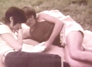 Vintage,Classic,Retro,Outdoor,Blowjob,Teens,Married,Nature,relaxed,Vintage,Young (18-25) Young Couple...