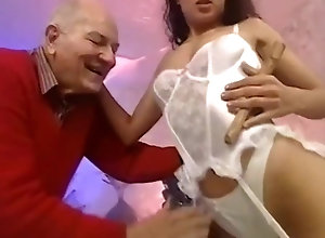 Brunette,Vintage,Classic,Retro,Old and Young,Hardcore,Spanish,Bombshell,Oldy Hottest sex scene...