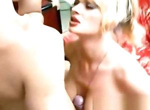 Vintage,Classic,Retro,Threesome,Group Sex,Blowjob,Cumshot,Hardcore,Goddess,Group Sex,Retro,Vintage Retro porn video...
