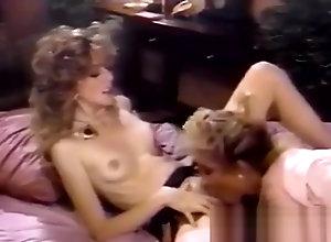 Lesbian,Masturbation,Blond,Vintage,Classic,Retro,Fingering,Cunnilingus,Blonde,Blonde,Masturbating Blonde Finds Bev...