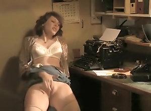Masturbation,Vintage,Classic,Retro,Amateur,Solo Female,Masturbating,Vintage,Voluptuous Sensual...