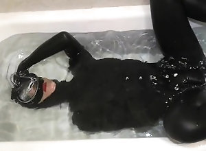 underwater;underwater-sex;bathtub-underwater;bathtub-masturbation;dive-mask;dive-ge;scuba-mask;scuba;scuba-sex;latex-underwater;latex-mask,Fetish;Verified Amateurs;Solo Female Bath Tub...