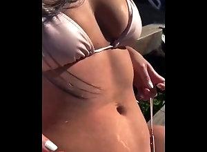 calor;piscina;húmeda,Amateur;Babe;Latina;Reality;Teen (18+);Vintage;Verified Amateurs;Solo Female;Female Orgasm summer ????