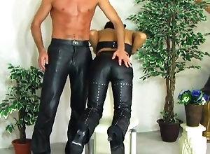 Brunette,Vintage,Classic,Retro,Handjob,Amateur,Big Cock Der Klang Von Leder