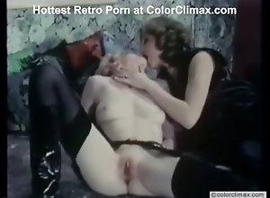 Brunette,Vintage,Classic,Retro,Threesome,Stockings,Cunnilingus,Small Tits,Big Cock,German I Got The Interview