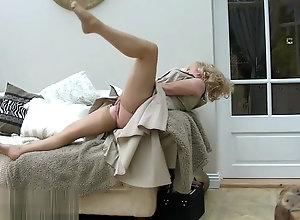 Masturbation,Vintage,Classic,Retro,Foot Fetish,Point of View,Fetish,Mature,Solo Female,Kinky,Mature,Nylon,Tease & Denial Mature Nylon...