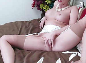 Vintage,Classic,Retro,Big Tits,Stockings,MILF,Solo Female,Holly Kiss Holly Kiss - Room...
