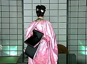 Brunette,Vintage,Classic,Retro,Big Tits,MILF,Solo Female,kimono LM in Kimono...